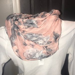Accessories - Pink and grey flower scarf